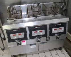 Henny Penny Computron 1000 Gas 3-bay fryer Used, Tested Good