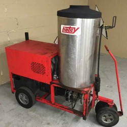 Hotsy 980SS 4GPM @ 2000PSI Hot Pressure Washer Used, Tested Good