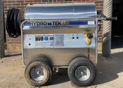 HydroTek 4.3 GPM @ 3500 PSI Hot Pressure Washer Used, Tested Good
