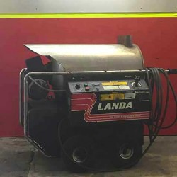 Landa 4GPM @ 2000PSI Hot Pressure Washer Used, Tested Good