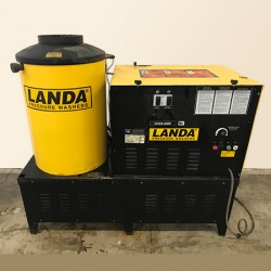 Landa VHG4 4GPM @ 3000PSI Hot Pressure Washer Used, Tested Good