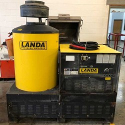 Landa VHG6 6GPM @ 3000PSI Electric Hot Pressure Washer Used, Tested Good