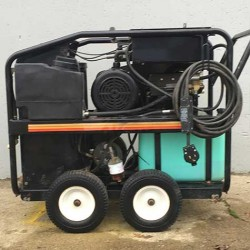 Mi-T-M GH-2504 3.2GPM @ 2500PSI Hot Pressure Washer Used, Tested Good