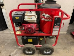 Shark SGP353037 3.5GPM@3000PSI Hot Pressure Washer Used, Tested Good