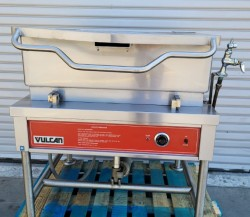 Vulcan 30 Gallon Electric Auto Tilt Skillet Used, Not Tested
